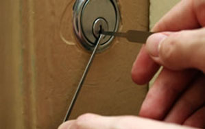 Door locks Havering